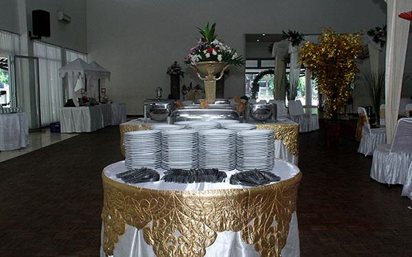 Dekorasi catering buffet wedding