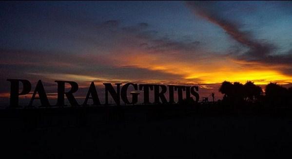 pantai parangtritis - 12 tempat wisata di Jogja paling terkenal dan instagramable terhits jaman now